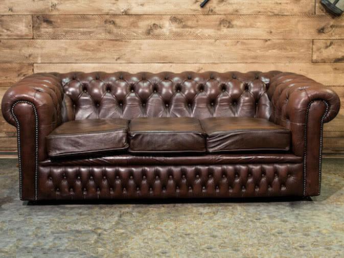 noleggio divano chesterfield vintage per eventi punto