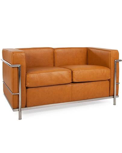 Noleggio divano in pelle cognac vintage per eventi punto - Divano pelle vintage ...
