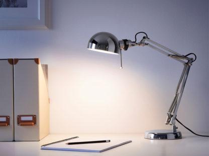 lampada da ufficio a noleggio