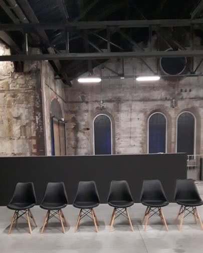 Noleggio sedia giada nera per eventi punto noleggio for Sedie nere ecopelle
