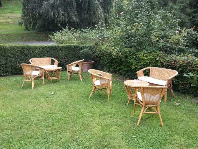 Noleggio tavolino in vimini per eventi outdoor punto for Noleggio arredi per eventi milano