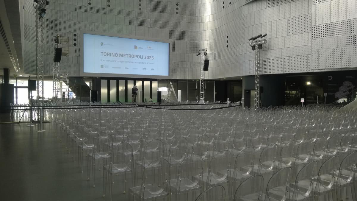 slider-eventi-aziendali-noleggio-sedie-kartell-victoria-conferenza